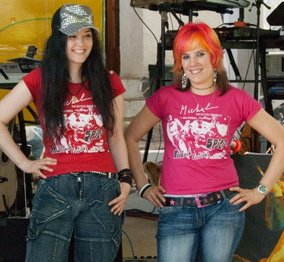 Mirakali and Diana Antara modeling the legendary Spirit of Woodstock Festival in Mirapuri T-Shirt