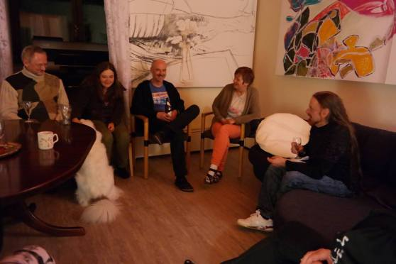 Miravillage being together for enjoying talking about 'Mirapuri and the young - Mirapuri und die Jugend'; Image 4
