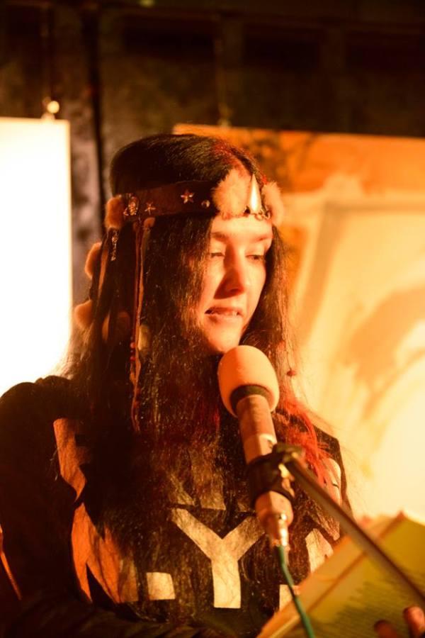 Gedichte Lesung von Mirakali aus ihrem Buch 'Blüten im Morgentau', 2