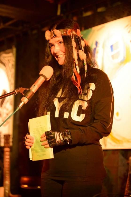 Gedichte Lesung von Mirakali aus ihrem Buch 'Blüten im Morgentau', 3