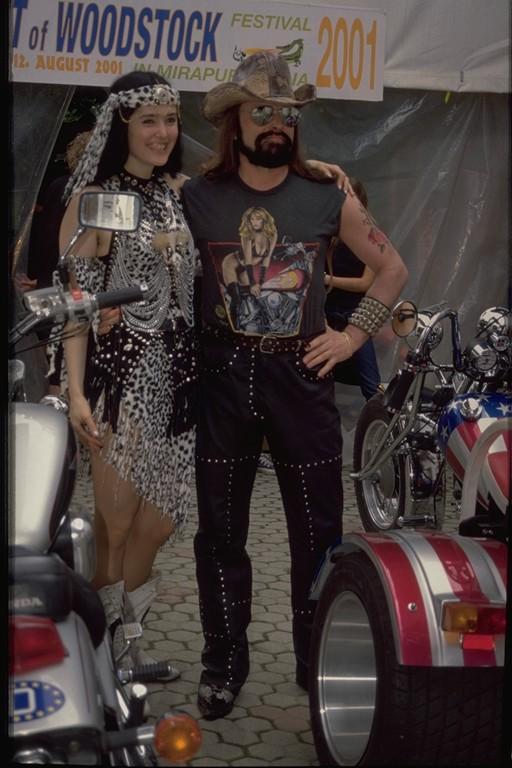 Michel & Mirakali + Trike 2001