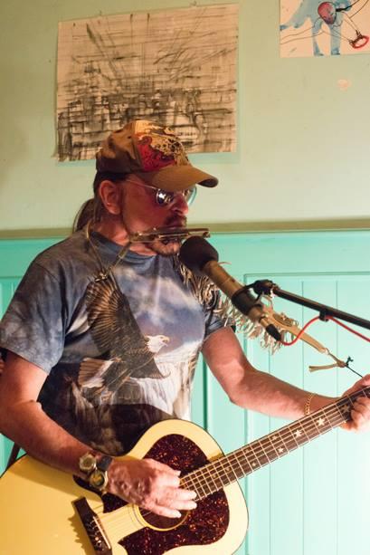 Michel Montecrossa: Acoustic New-Topical-Song Concert at Salon Irkutsk, Munich 5