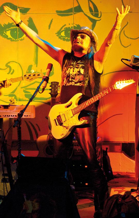 michel-montecrossa-on-stage-celebrating