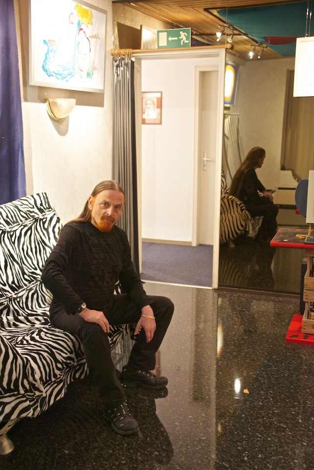 Michel Montecrossa at the New Art Gallery